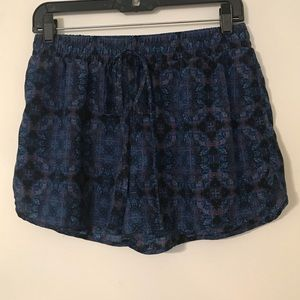 Forever 21 Blue Printed Shorts Size M